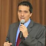 FOTOS A ALONSO SEGURA, GERENTE DE ESTUDIOS ECONOMICOS DEL BANCO DE CREDITO DEL PERU.