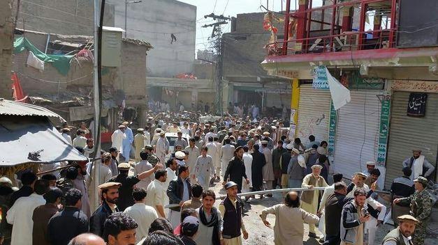 Segundo atentado del día en Pakistán deja al menos 15 muertos y 70 heridos