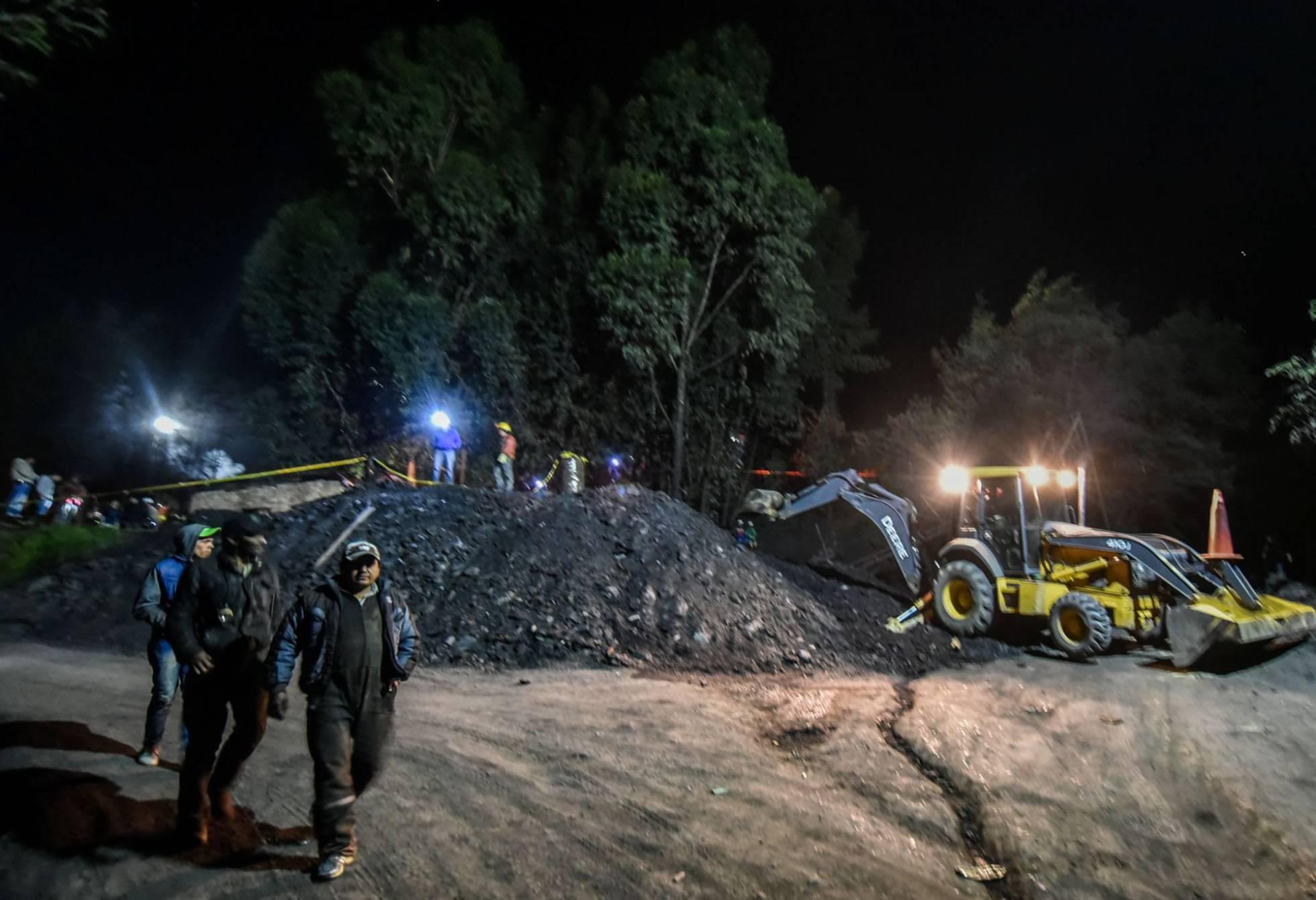 Saldo final de 13 muertos deja explosión en mina de carbón colombiana
