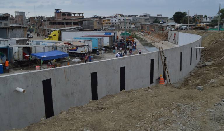 muro ecuador peru
