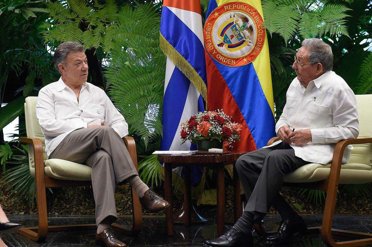 Santos y Raúl Castro