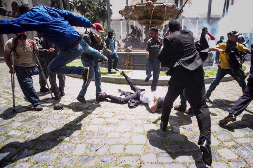 agresión parlamento Venezuela