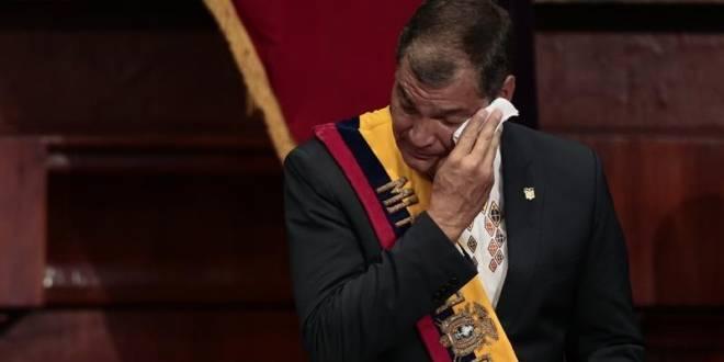 Expresidente-Rafael-Correa-antes-de-entregar-la-Presidencia-de-Ecuador.-EFE-660x330