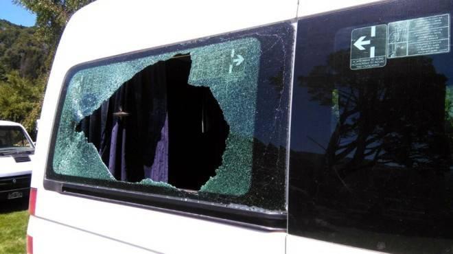 camioneta vidrios rotos 1