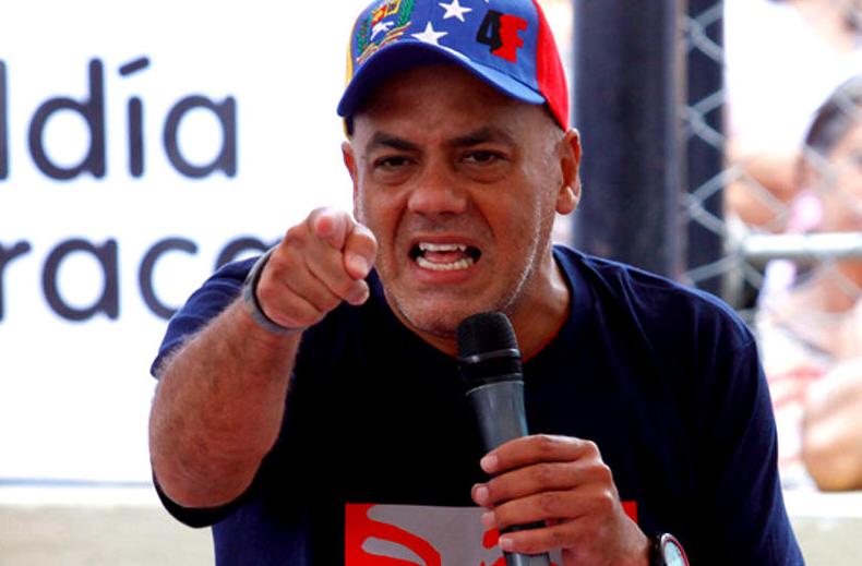"""Así """"insultaron"""" al alcalde chavista Jorge Rodríguez cuando paseaba en Ciudad de México"""