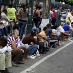 Las colas para comprar comida son desgarradoras en Venezuela