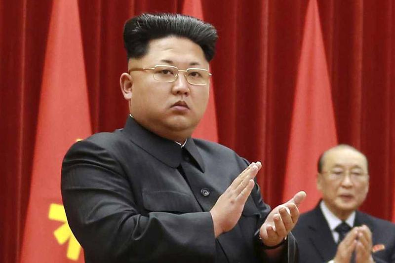 Kim-Jong-Un-aplaude
