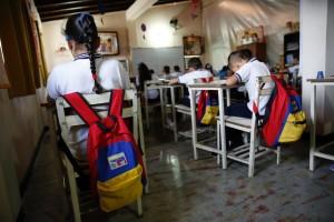 jovenes en colegios