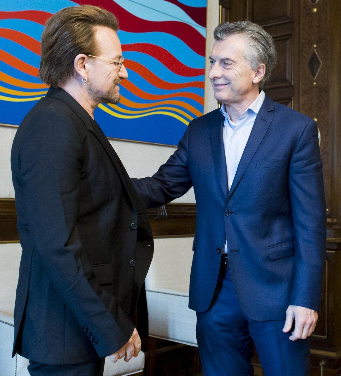 Bono y Macri