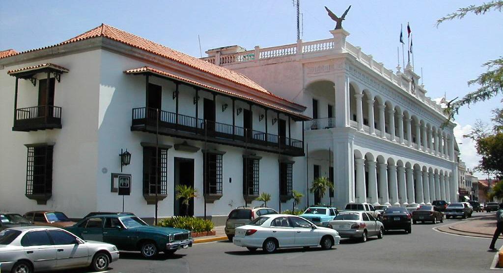 Desvalijan gobernaciones de Zulia y Nueva Esparta, luego de resultados del CNE (Video)