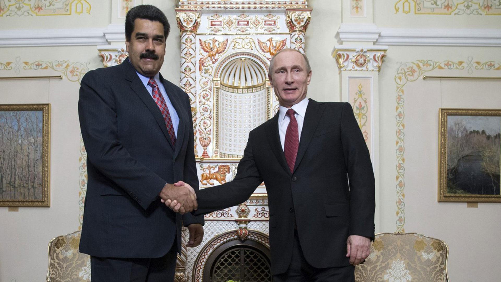 """Rusia asegura estar """"listos"""" para ayudar con la política económica de Maduro"""