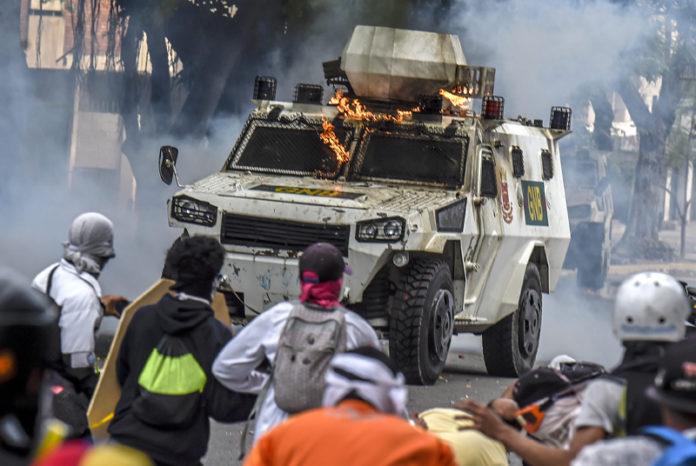 protestas-en-venezuela-696x466