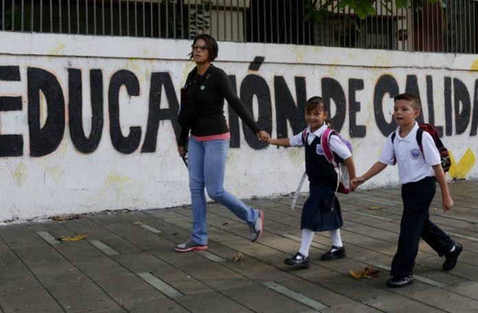 Educacion-Caracas-696x456