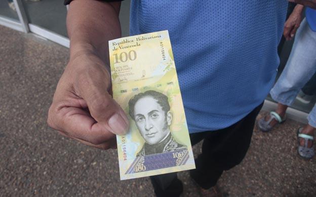 En Maracaibo piden 180.000 bolívares por billete de 100.000… ¿Y donde está el gobierno?