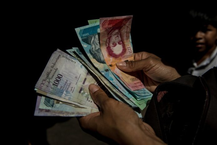 billetes-nuevos-venezuela-696x465
