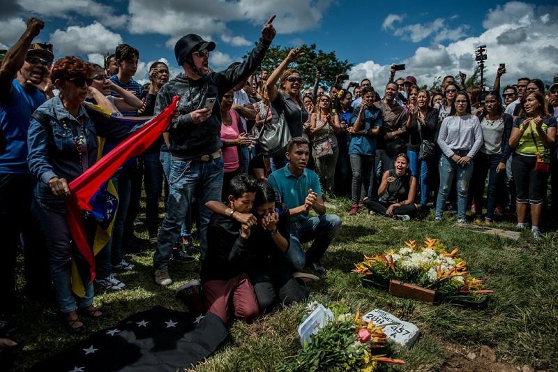 hijos-de-José-Alejandro-Díaz-Pimentel-asesinado-junto-con-Pérez-cortesía-Meridith-Kohut-para-The-New-York-Times