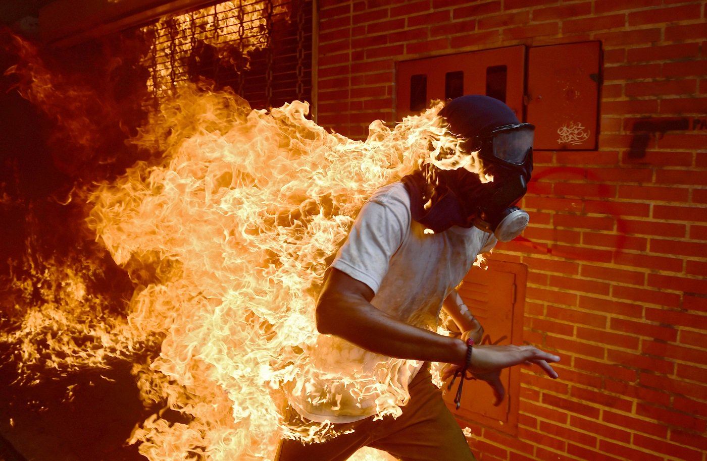protestas-venezuela-Ronaldo-Schemidt-nominada-world-press-photo