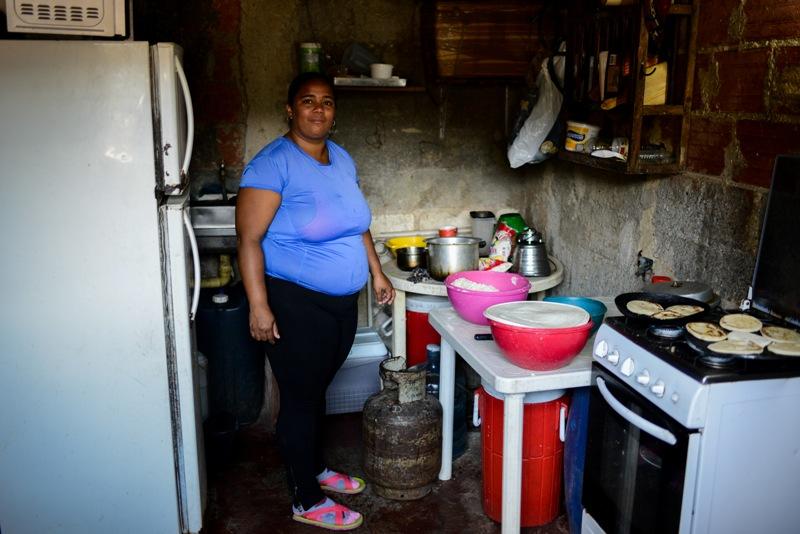 Pese a la crisis: La solidaridad prevalece en barriada pobre de Venezuela
