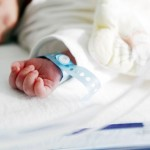 Parent-leaving-hospital-with-preemie-baby-from-neonatal-unit