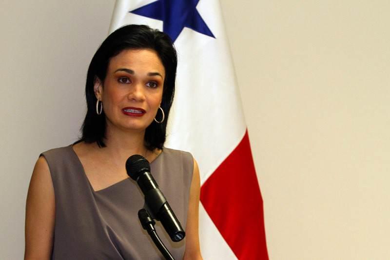 Vicepresidenta-panama-Isabel-De-Saint-Malo-de-Alvarado-800x533