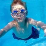 piscina niño