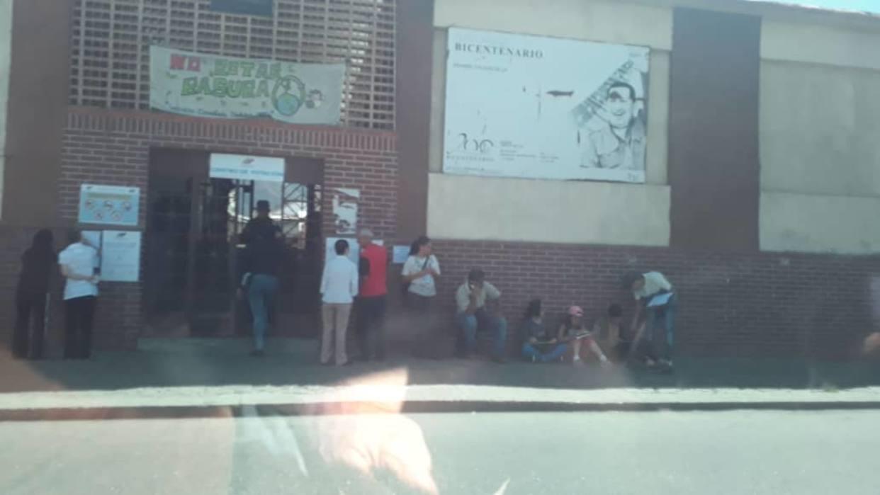 Centro electoral ubicado frente a Misión Vivienda tiene pocos electores / Foto: El Nacional
