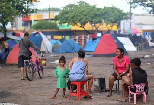 Refugiados venezolanos en la plaza Simón Bolívar de Boa Vista-EFE