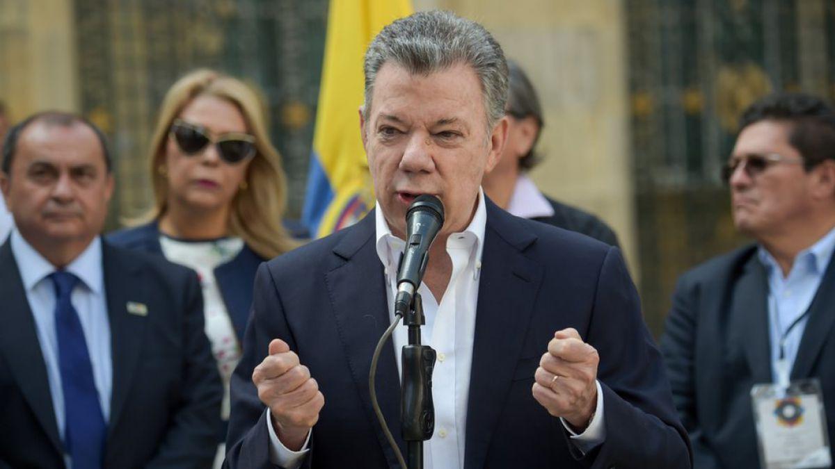 """Santos insinúa que el mundo """"aplaudiría"""" levantamiento militar en Venezuela"""