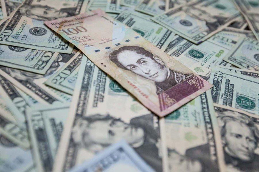 Predicciones de espanto: Dólar podría cerrar el 2018 en Bs 15,9 millones