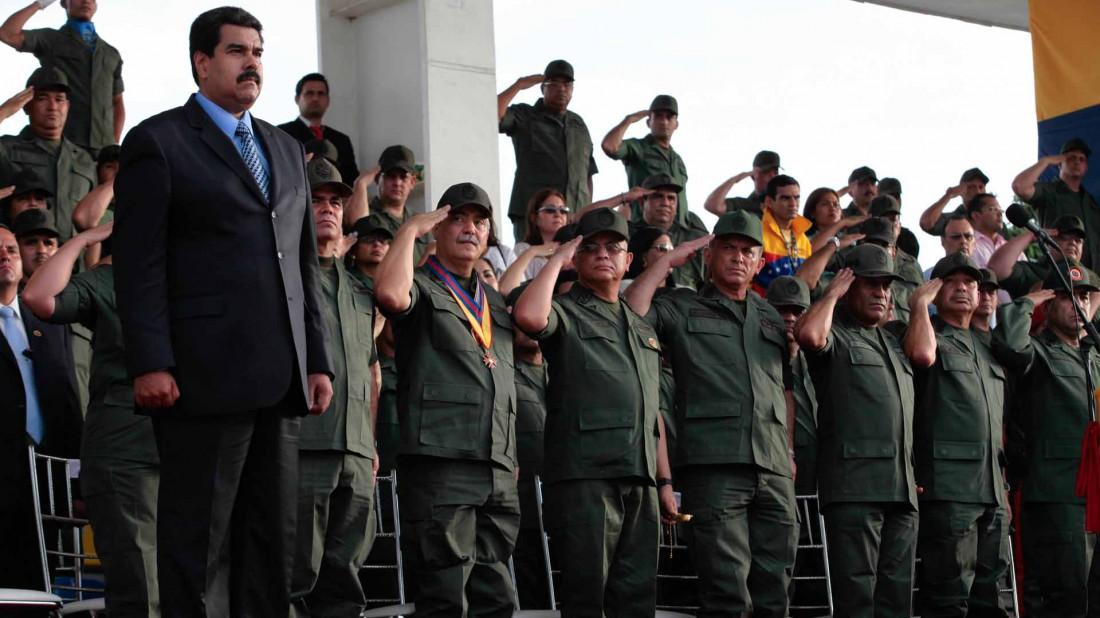 """Militar sublevado contra Maduro grita """"Libertad"""" mientras es detenido por la FAES"""