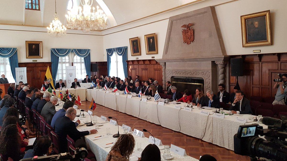Reunión-en-Quito