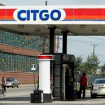 A Citgo gas station is pictured in Kearny, New Jersey September 24, 2014. Venezuelan state-run oil company PDVSA's rushed move to sell units raises questions whether Venezuela wants to reduce international exposure to avoid potential asset grabs in the event companies win arbitration cases against the country. Latin America's leading crude producer is seeking to sell its major U.S refining unit Citgo Petroleum Corp, as well as stakes in the Hovensa refinery in the U.S. Virgin Islands, the Chalmette refinery in Louisiana, and a network of refineries in Sweden, England and Scotland. REUTERS/Eduardo Munoz (UNITED STATES - Tags: BUSINESS ENERGY POLITICS)