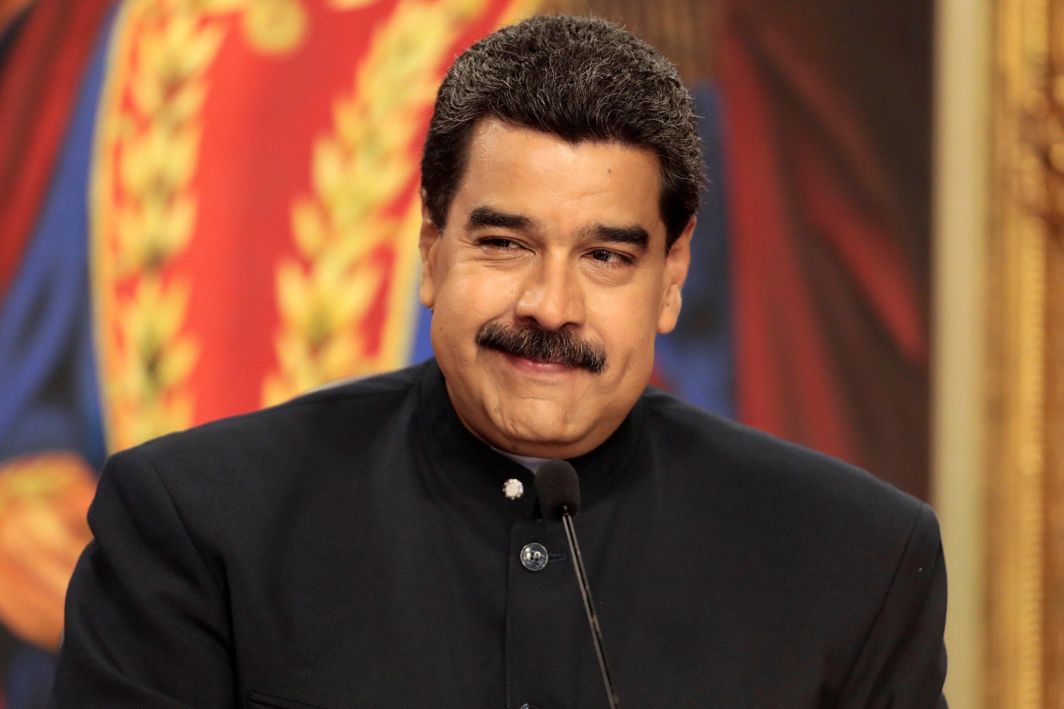 """Maduro realizará """"importantes"""" anuncios económicos esta semana"""