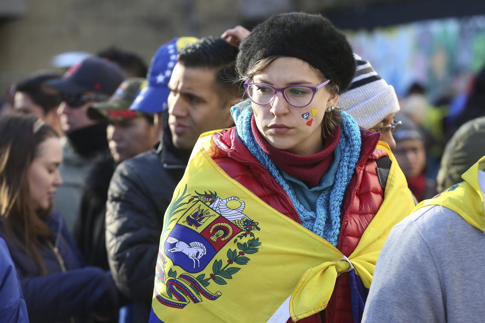 España concederá residencia a venezolanos por razones humanitarias