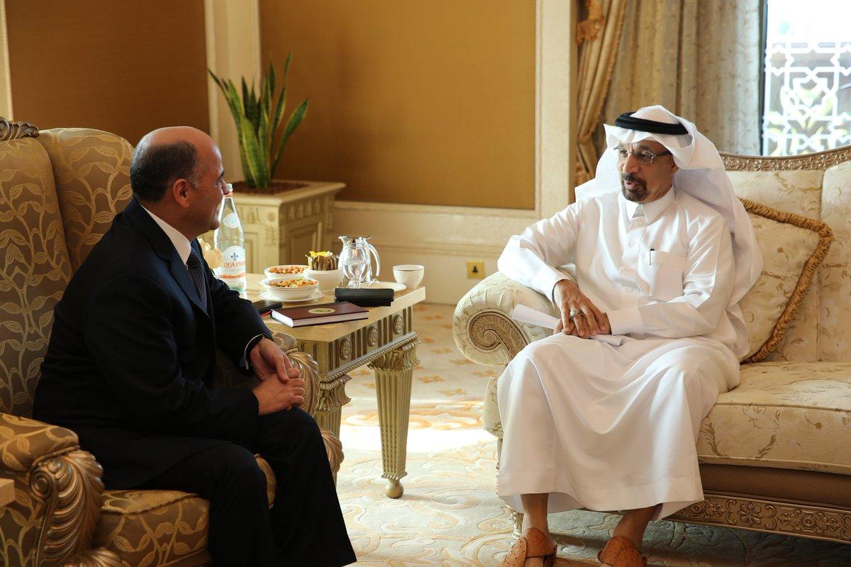 Venezuela y Arabia Saudita evalúan medidas para fortalecer estabilidad del mercado petrolero