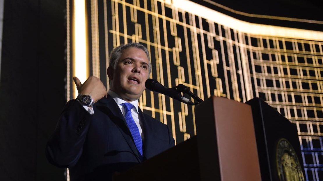 Bloqueos , marchas y amenazas de paro complican presidencia de Iván Duque