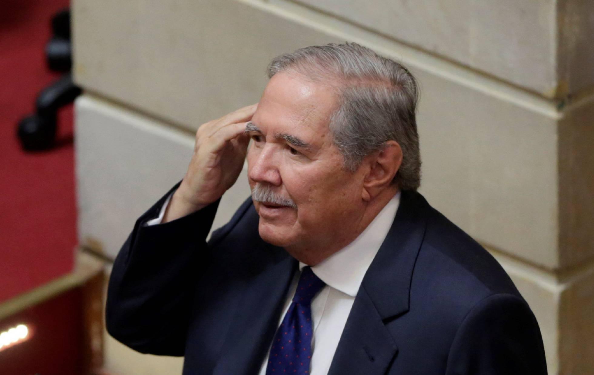 Cámara de representantes de colombia muestra apoyo a Guillermo Botero, cuestionado por gestión militar